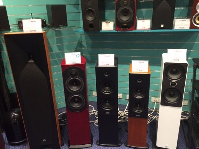 Audio Junction's Mid-Fi Room