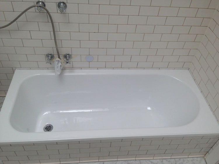 Yellow Bathtub After Resurfacing | Bathtub Resurfacing | Tub Resurfacing | Bathroom Tub Resurfacing | Melbourne | Sydney | Perth | Gold Coast | Geelong | Ballarat | Adelaide | Wollongong | Bathroom Werx