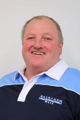 Gary Edwards, bath renovation technician in Melbourne