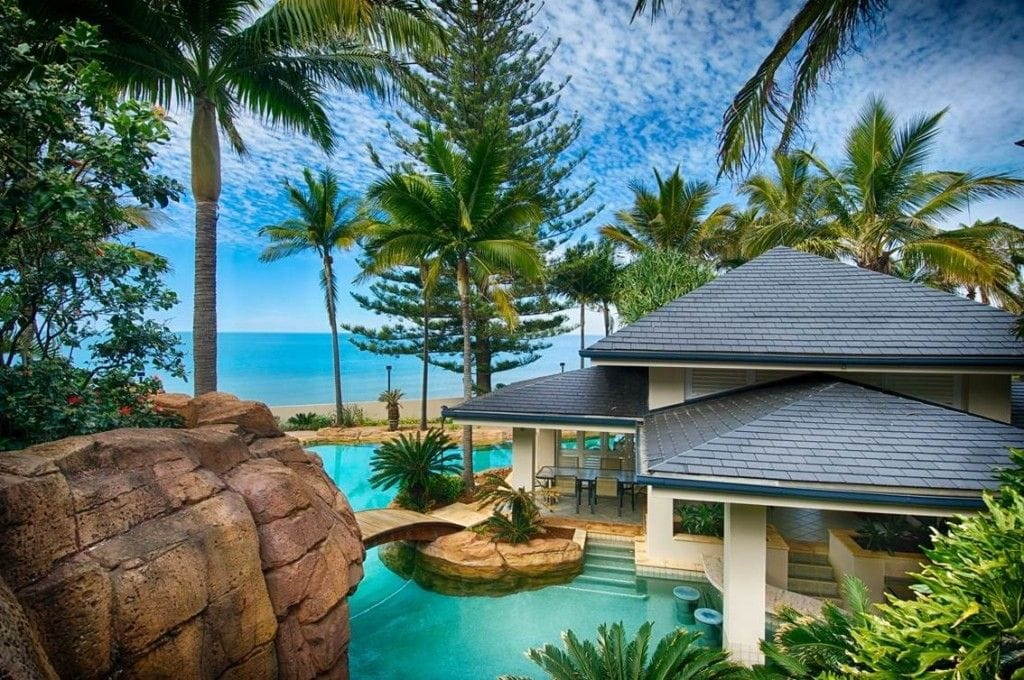 Bullivant sells beachfront mansion for $5.3 million
