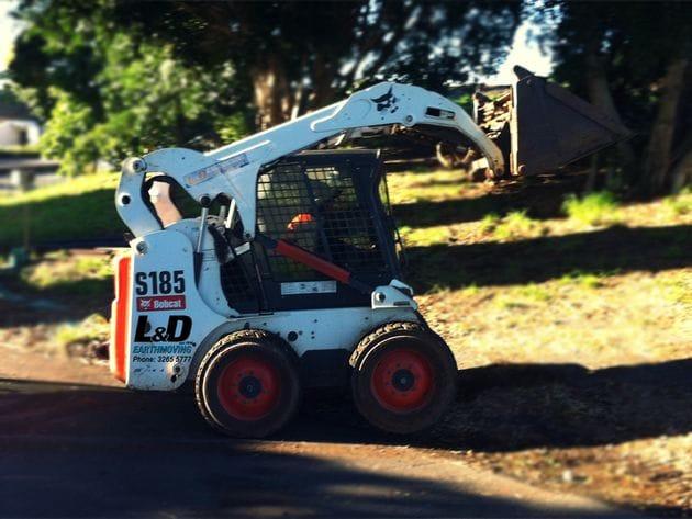 Skid Steer Loaders wet hire Brisbane, Sunshine Coast and Gold Coast