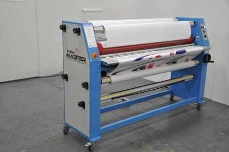 Top tips for buying a wide format laminator and hear what people are saying about the Sign Master Flatbed Applicator