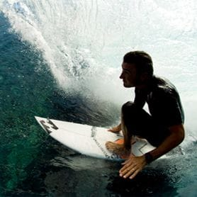 BILLABONG FLEXES MUSCLE IN ACQUISITION BID