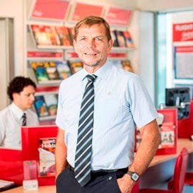 FLIGHT CENTRE FLIES IN TO SAVE DICK SMITH STAFF