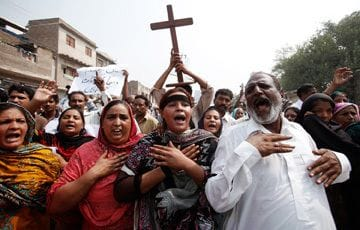 Prayers for the victims of bombing in Lahore