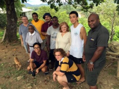 Volunteers pitch in for PNG
