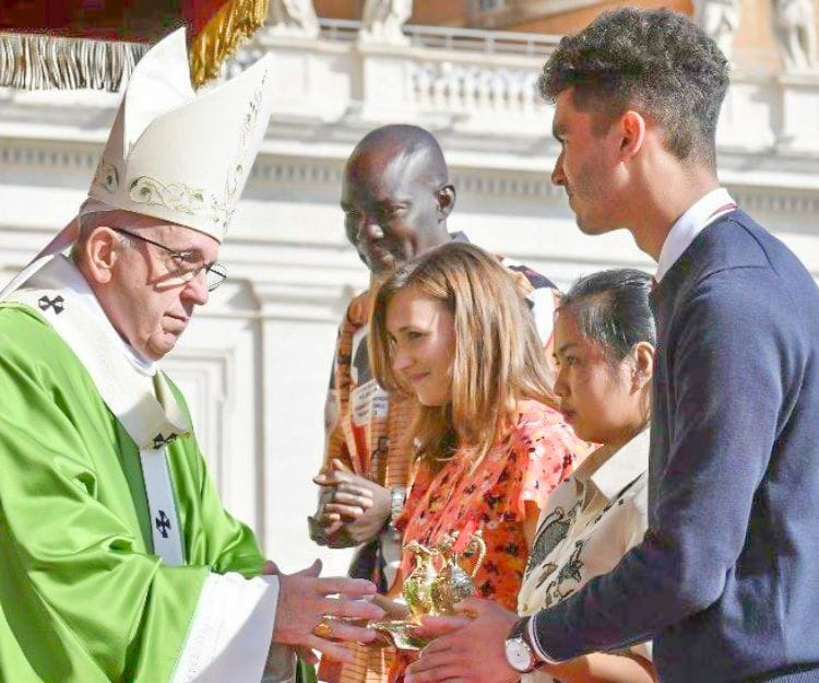 Lasallian youth leader meets Pope Francis