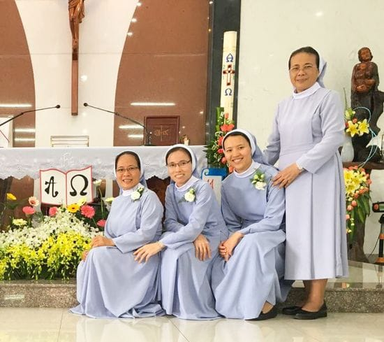 Sr Anna Nguyen LSS makes perpetual profession