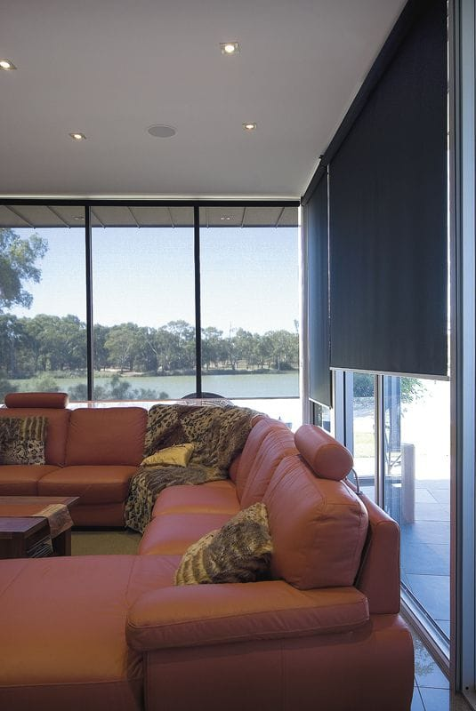 Possibly The Most Por Window Covering At Moment Roller Blinds Are A Versatile Option For Your Coverings