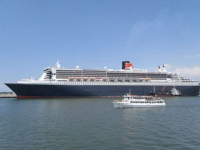 Queen Mary 2 Cruise Ship