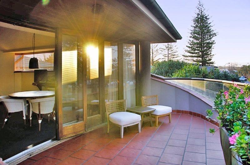 www.beachhotelresort.com.au