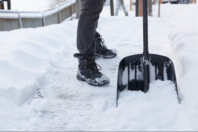 Shoveling Snow 101: How to Prevent Injuries