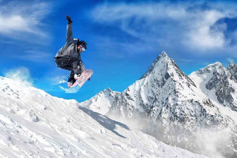 Avoiding Wrist Injuries While Snowboarding