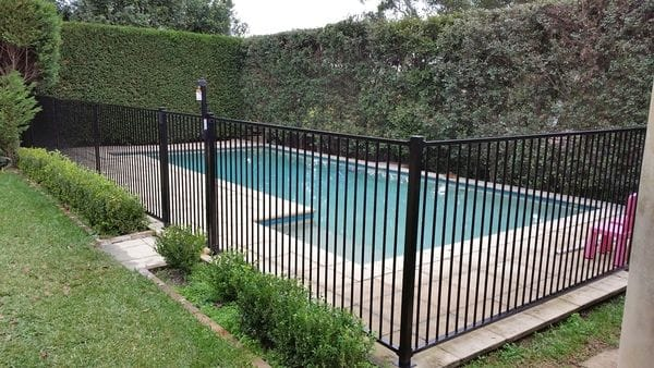 Killara_new-black-alum-pool-fence