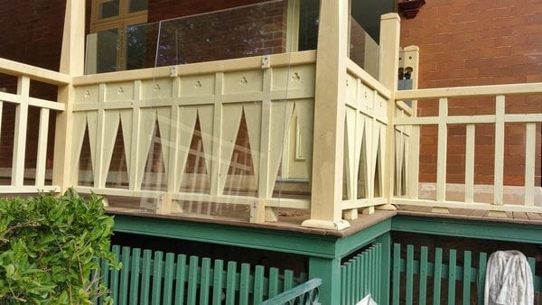 Deck-balustrade-shield