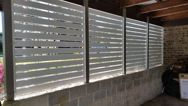 white-alum-slat-screens-on-carport