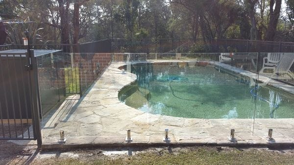 Westleigh_combination-alum---glass-pool-fence---sheet-steel-filter-box