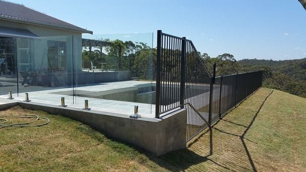 Arcadia combo glass & alum pool fence