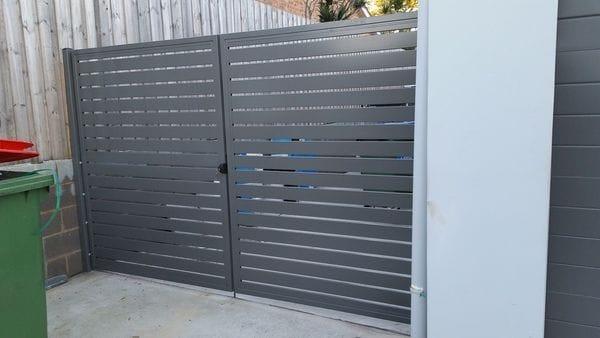 Aluminium slat gates