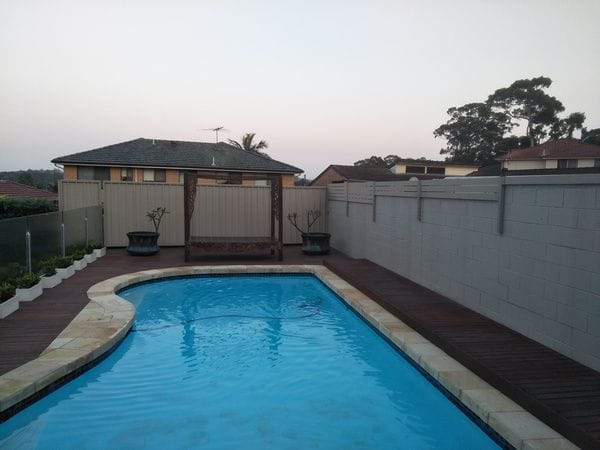 Marsfield-sheet-steel-rear-fence---alum-slat-extensions-to-side-pool-fence