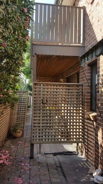 Pennant-Hills-vertical-alum-picket-balustrade