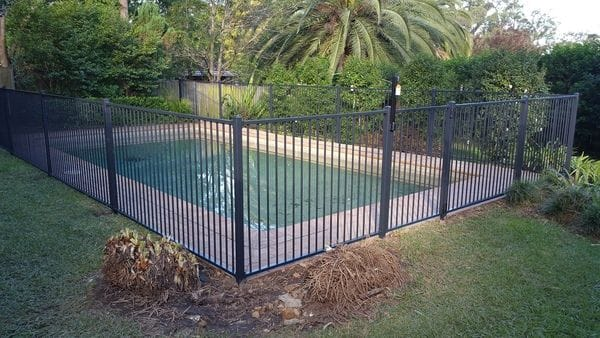 Turramurra_charcoal-pool-fence2