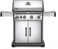 Napoleon Rogue 525 with Range Side Burner