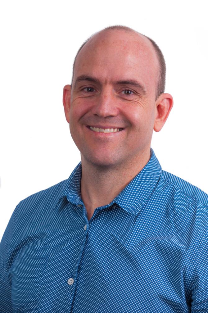 Dr Peter Barron   Specialist Small Animal Internal Medicine   VSS