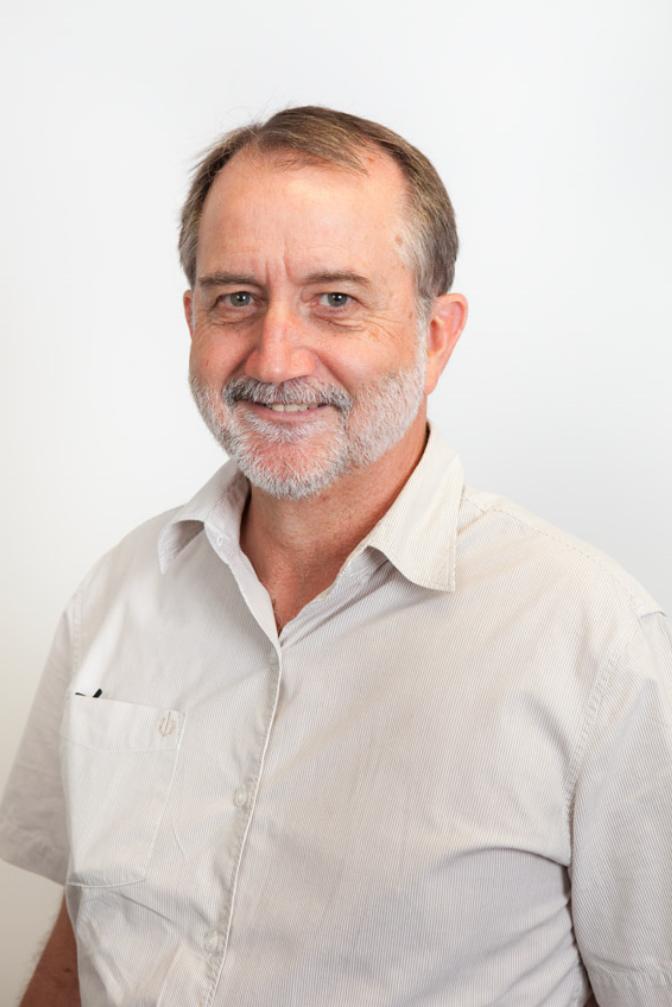 Dr Bruce Mackay   Specialist Small Animal Internal Medicine   VSS