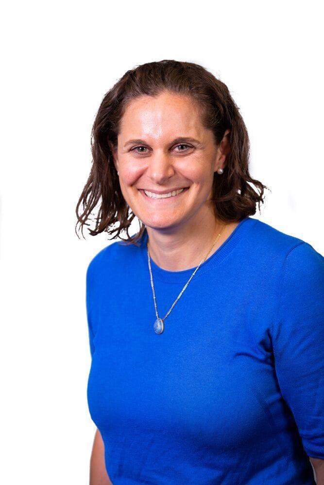 Dr Lisa Singer   Specialist Small Animal Internal Medicine   VSS