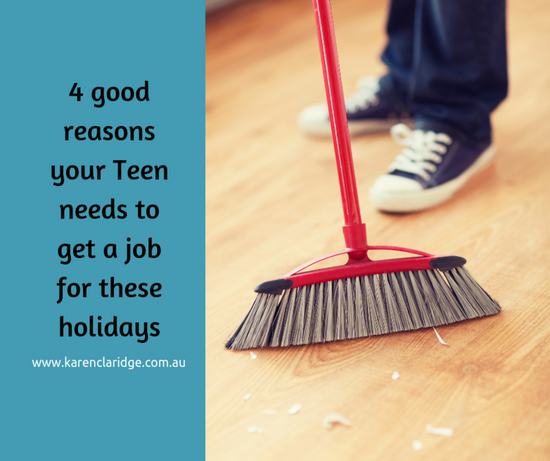 4 Reasons your Teen needs to get a Holiday Job!