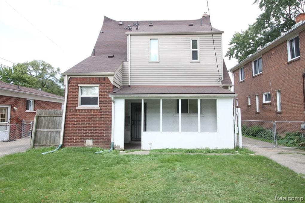 22773 Pleasant Ave Eastpointe MI 48021 | Cashflowpositive.com