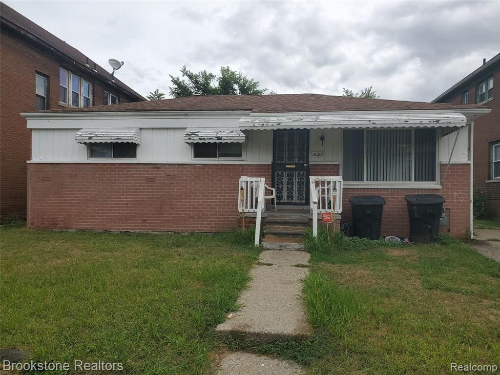 16200 Lawton St Detroit MI 48221 | Cashflow Positive | cash positive investments | positive cash flow investments | why invest in detroit