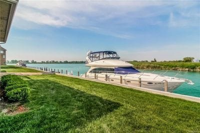 Detroit Luxury Waterfront Homes Listings