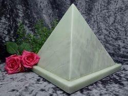 Pyramid Urn jade medium 02