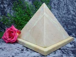 Pyramid Urn pink small 02