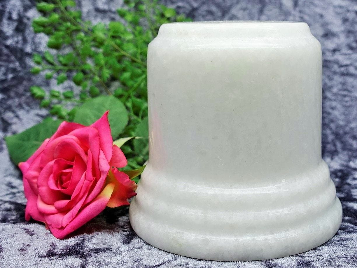 Pillar Urn white small 06
