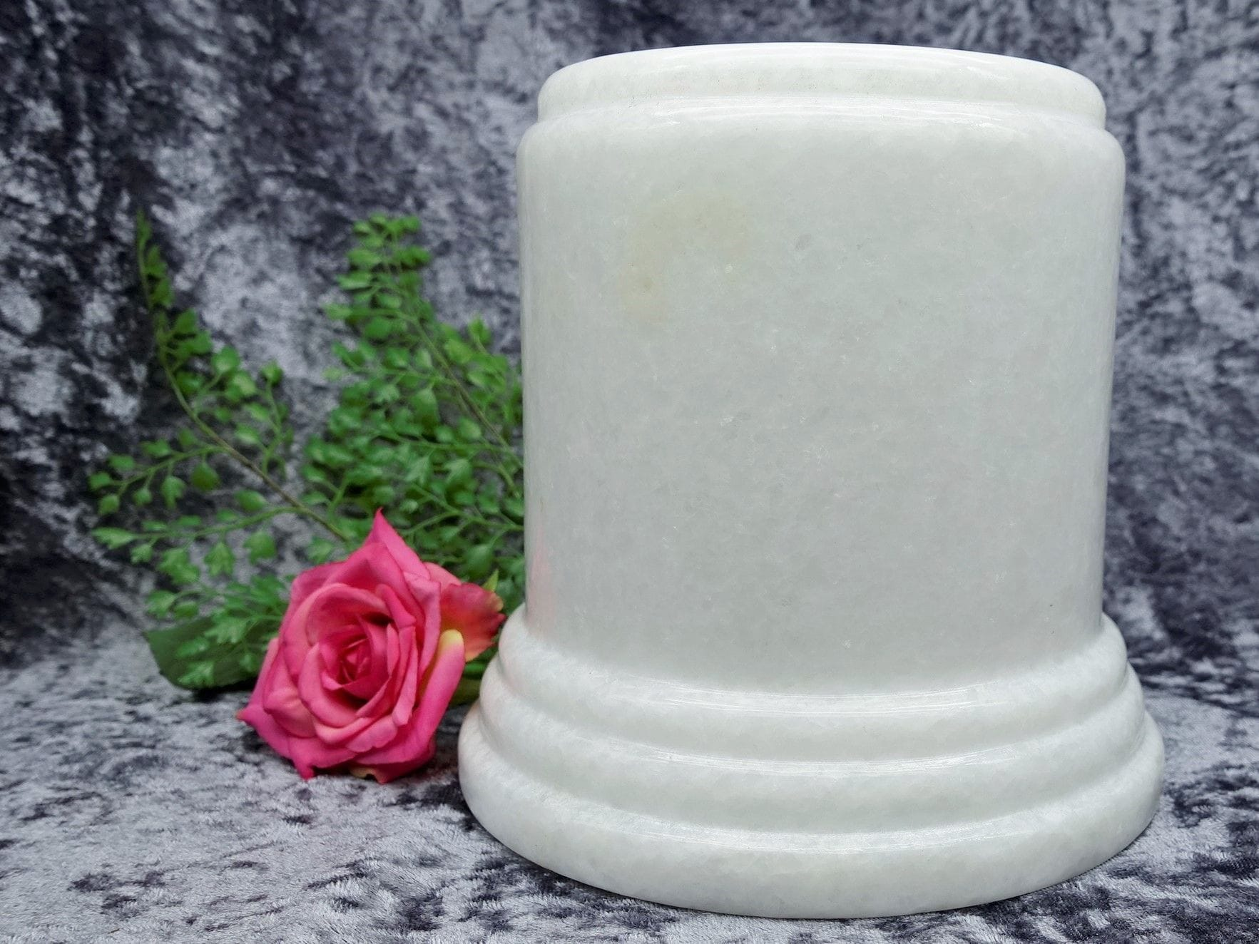 Pillar Urn white large 04
