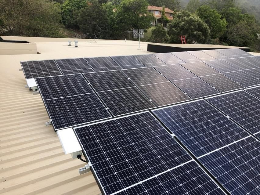 9kW residential solaar installation with Solar Edge inverter and Seraphim panels