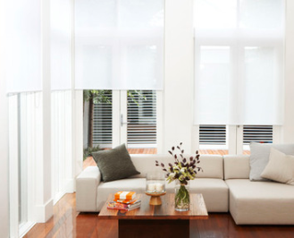 Quantum roller blind with Lintex Translucent white fabric in living area