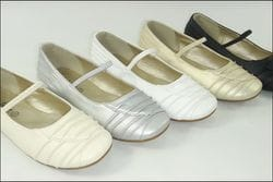 JOLENE- White or Ivory Flats