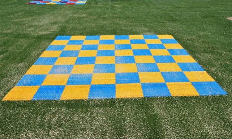 synthetic grass_chessboard