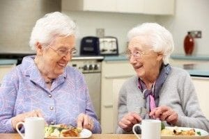 Senior Care Tips: Why Is It Best For Seniors To Eat Together?