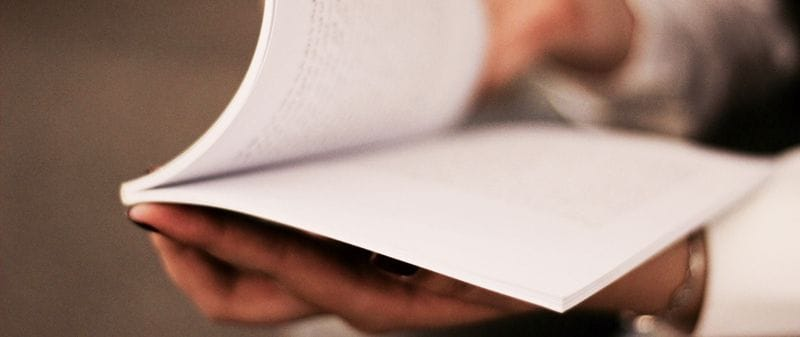Do we read differently on paper than on a screen?