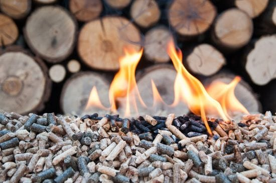 Wood Stove vs. Fireplace: Which One is Better for Your Home?
