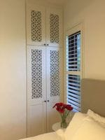 Profile doors with powder coated screen art