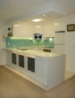 Glass Splashback Colour - Aqua Clear, Isle of Capri Gold Coast