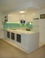 Glass Splashback Colour - Aqua Clear, Isle of Capri Gold Coast