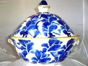 Lotus casserole pot in blue and white