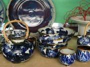 Teapots and tea bowls